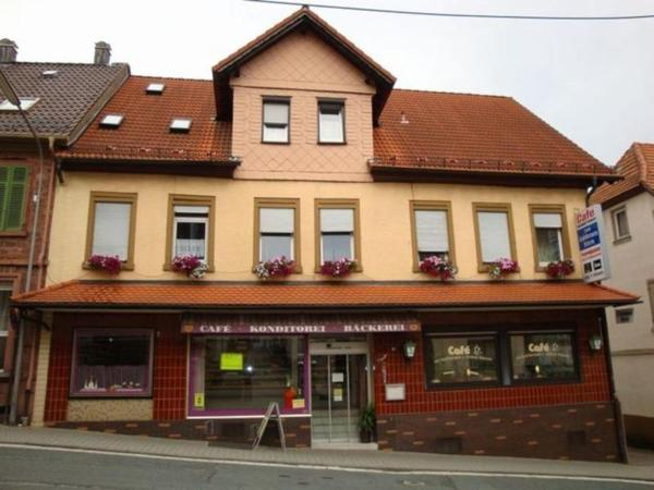 Hotel Pictures: Cafe - Pension Zum Goldenen Stern, Beerfelden