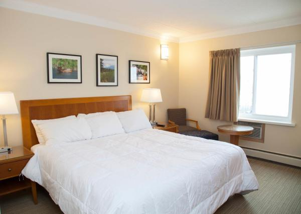 Hotel Pictures: Twin Pine Inn & Suites, Hinton