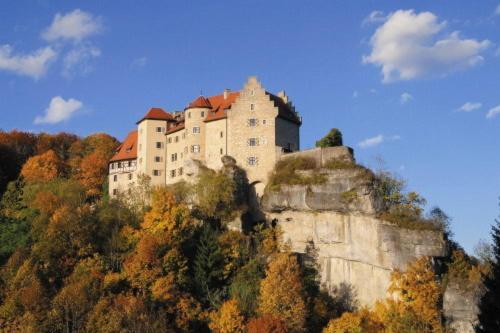 Hotel Pictures: Burg Rabenstein, Kirchahorn