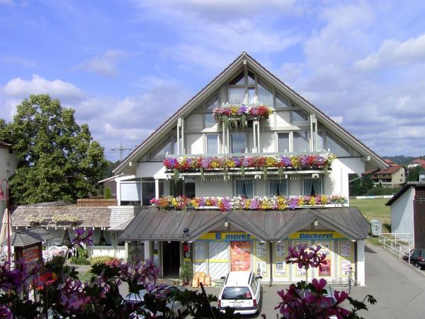 Hotel Pictures: Schwarzwald-Pension Fechtig, Ühlingen-Birkendorf