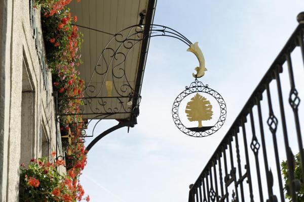 Hotel Pictures: Landhotel Linde Fislisbach, Baden
