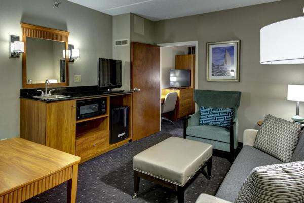 Non-Smoking Two-Room Suite