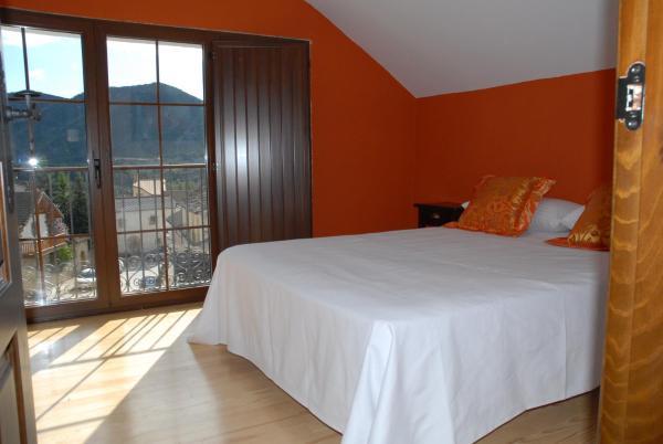 Hotel Pictures: Casa Rural Mier, Yebra de Basa