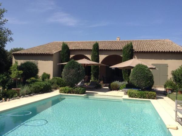 Hotel Pictures: Villa du Sanglier-Chambres d'hôtes, Saint-Siffret