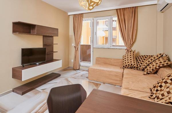 One-Bedroom Apartment with Balcony ( 2 Adults + 2 Children)