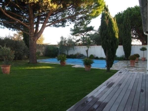 Hotel Pictures: Rental Villa Le Bois Plage - Loix, Loix