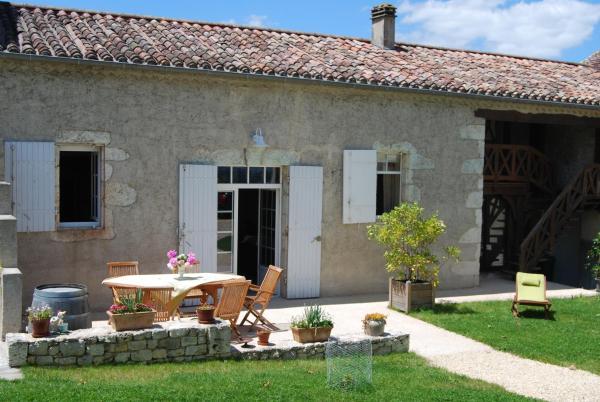 """Hotel Pictures: """"Cottage Côté Charme"""", Monbazillac"""