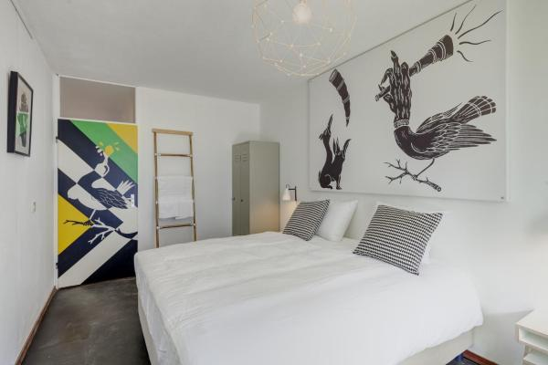 Hotel Pictures: Bed and Breakfast Zuid Oost Heesterveld / BnB ZOH, Amsterdam
