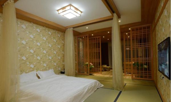 Mainland Chinese Citizen - One-Bedroom Suite
