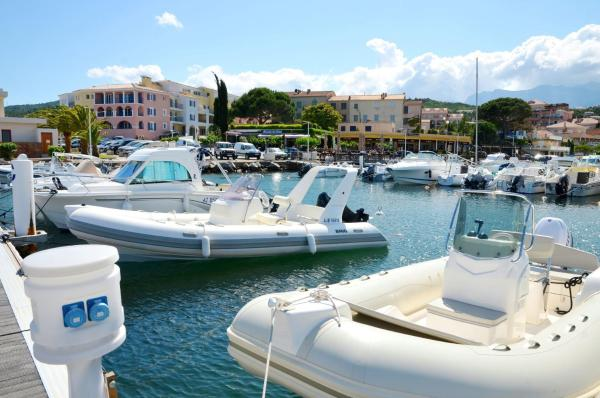 Hotel Pictures: Residence les Voiles Blanches, Sari Solenzara