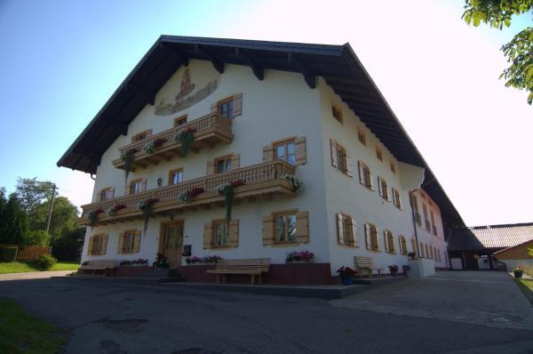Hotelbilleder: Bio Ferienhof Heiler, Feldkirchen-Westerham