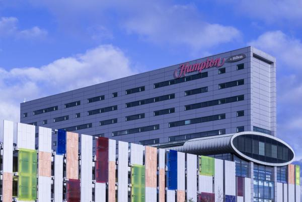 Hotel Pictures: Hampton by Hilton Liverpool John Lennon Airport, Speke