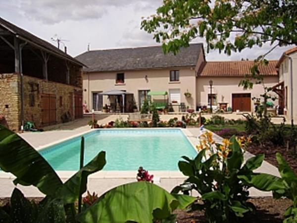 Hotel Pictures: Maison des Tournesols, Saint-Jouin-de-Marnes