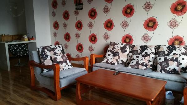 Hotel Pictures: Moon Lake Family Suite, Gaizhou