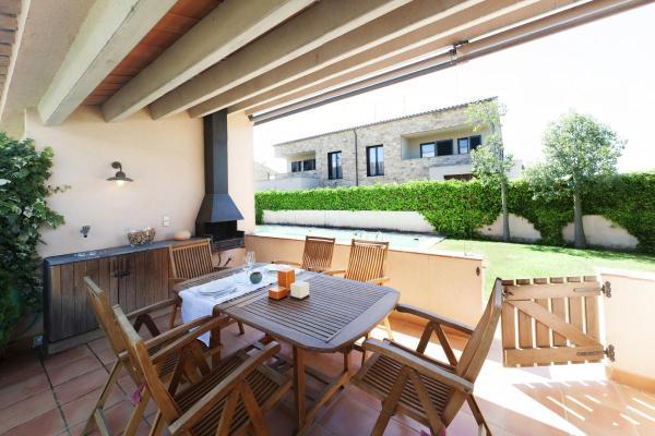 Hotel Pictures: Home Deco Parlava House Costa Brava, Parlavà