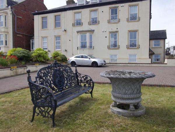 Hotel Pictures: Roker Seafront Apartments, Sunderland