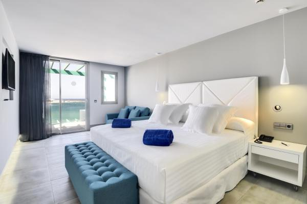Deluxe Double or Twin Room with Sea View and Spa Bath
