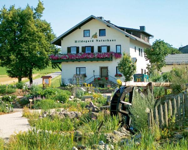 ホテル写真: Hildegard Naturhaus, Kirchberg bei Mattighofen