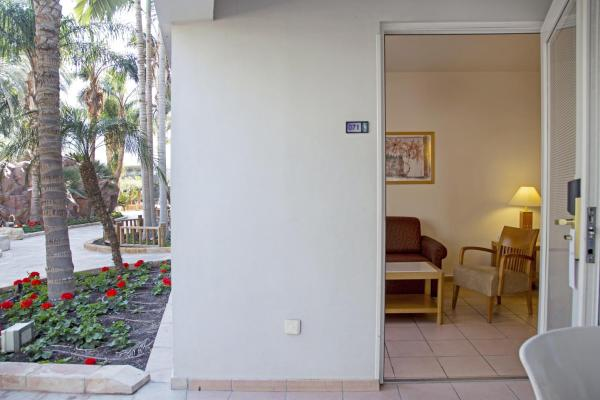Family Suite with Pool Access