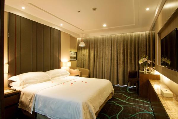 Elegant Superior Double Room