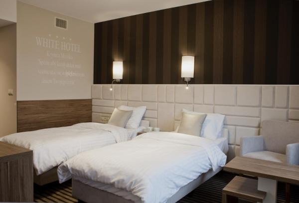 Deluxe Twin or Double Room with Extra Bed and City View