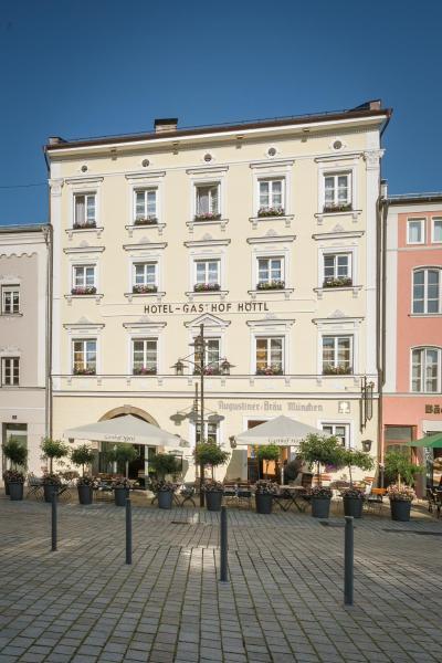 Hotel Pictures: Hotel-Gasthof Höttl, Deggendorf
