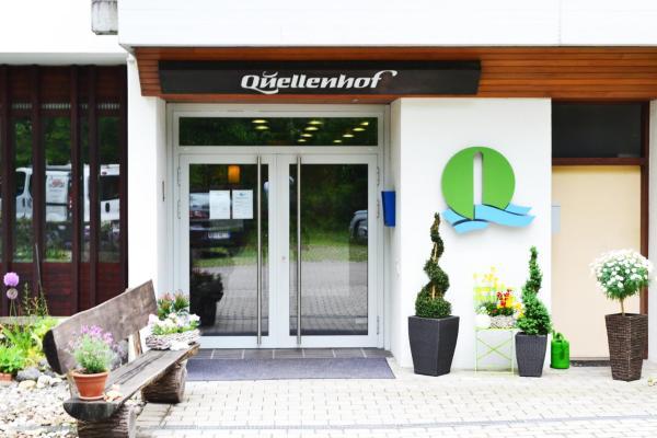 Hotel Pictures: Hotel Quellenhof Garni mit Thermalbad, Bad Urach