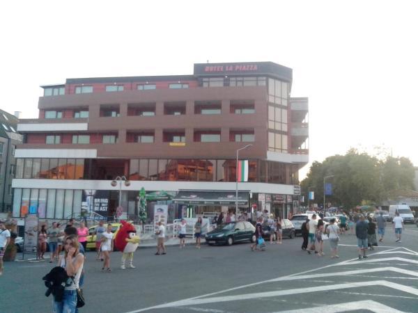ホテル写真: La Piazza Hotel Primorsko, プリモルスコ