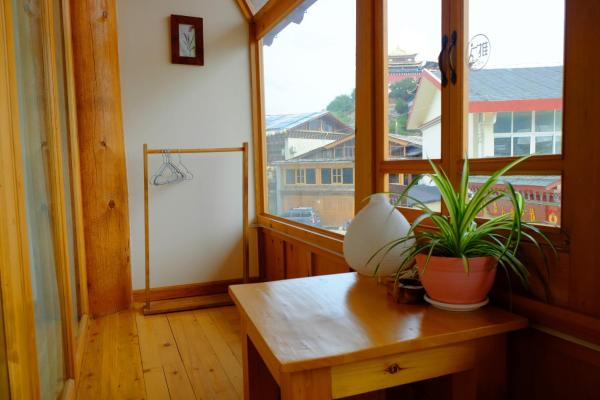 Twin Room with Balcony - YJ