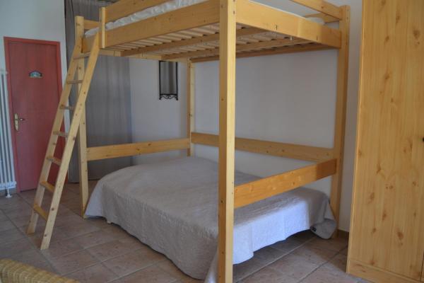 Hotel Pictures: , Saint-Dézéry
