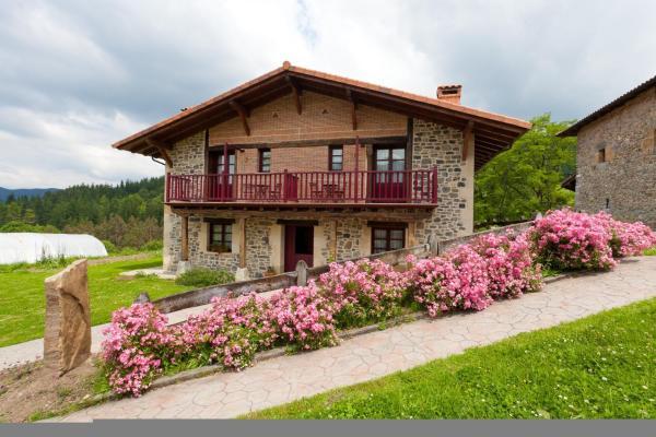 Hotel Pictures: Casa Rural Etxegorri, Urigoiti