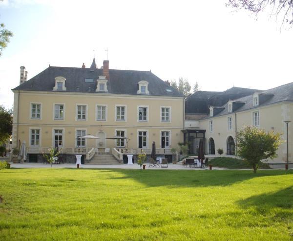 Hotel Pictures: Hôtel Restaurant Le Saint Martin, Sablé-sur-Sarthe