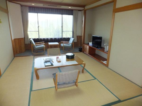 Japanese-Style Superior Room with Shared Bathroom