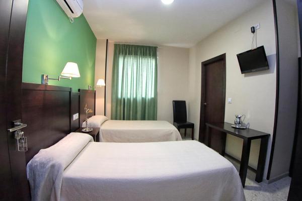 Hotel Pictures: Hostal Veracruz, La Rambla