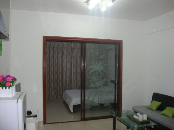 Twin Room with Computer