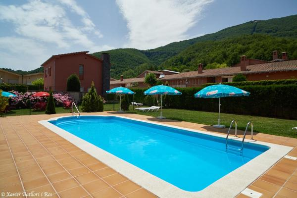 Hotel Pictures: Apartamentos Fonda Finet, Sant Felíu de Pallarols