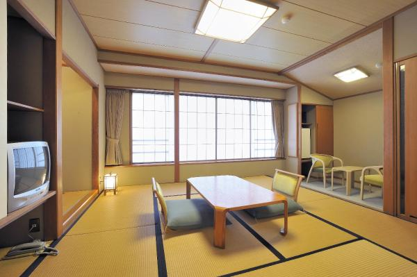 Japanese-Style Room with City View