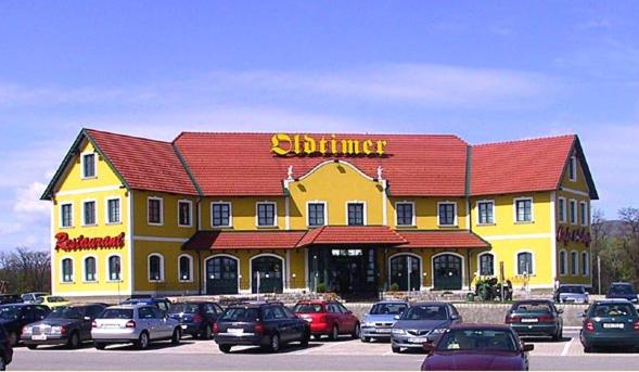 Foto Hotel: Oldtimer Motorhotel Guntramsdorf, Guntramsdorf