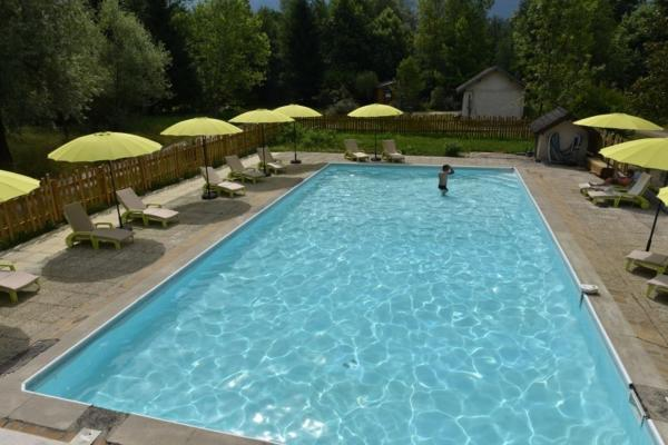 Hotel Pictures: Les Lodges du Lac, Saint-Alban-de-Montbel