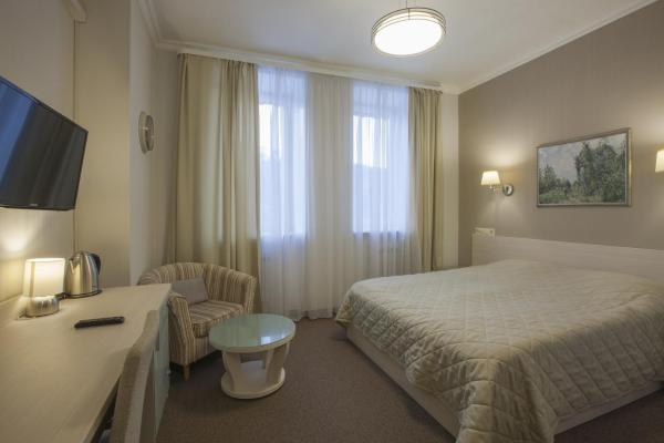 Superior Double Room - Treatment Included