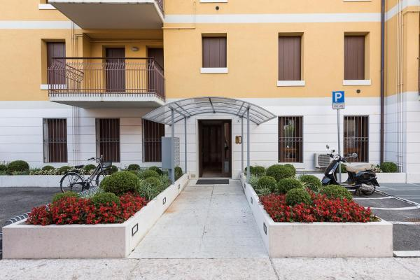 One-Bedroom Apartment with Sofa Bed  - Via Scarsellini, n.19/2