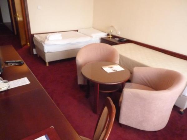 Standard Single Room /Esplanade wing/