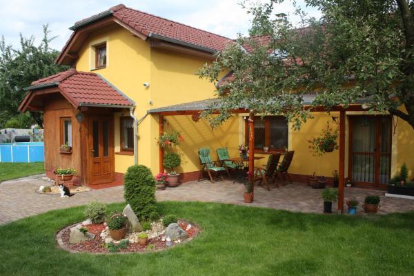 Hotel Pictures: Apartment BENCI, Jindrichuv Hradec
