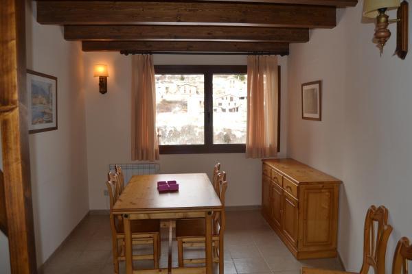 Hotel Pictures: Apartments Pou, Castellar de N'Hug