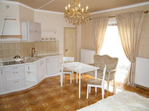 Hotel Pictures: Guest House with Sauna at Shishkina, Brest