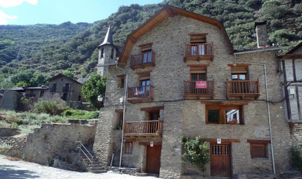 Hotel Pictures: Casa La Lourdes, Ainet de Besan