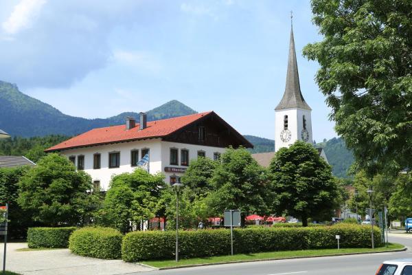 Hotel Pictures: Gasthof Prinzregent Superior, Marquartstein