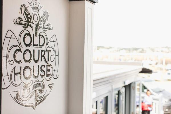 Hotel Pictures: Old Court House Inn, Saint Aubin