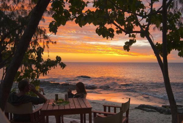 Hotel Pictures: Barefoot Manta, Naukacuvu Island