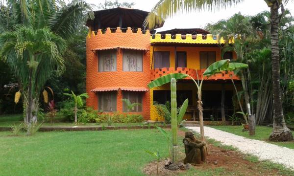 Hotel Pictures: El Castillo Divertido, Paraíso
